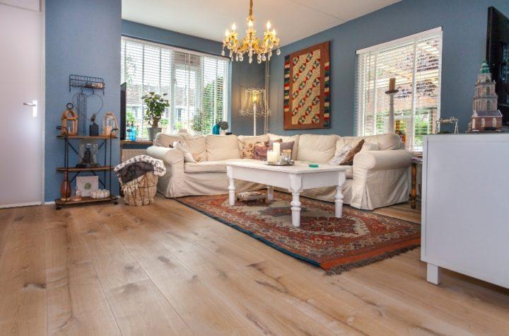 Strakke houten vloer naturel witNaturel Wit – Blankhoudend
